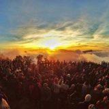 Gunung Bromo Mulai Ramai Pengunjung
