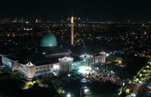Kemegahan Masjid Jamek Al Akbar Surabaya